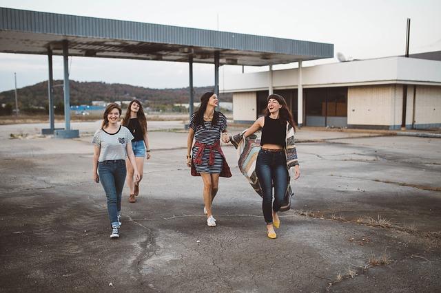 čtyři holky.jpg